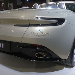 Aston Martin DB 11 convertible