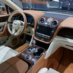Bentley Bentaya SUV V12