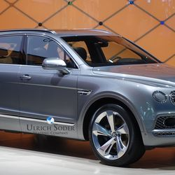 Bentley Bentayga SUV V12